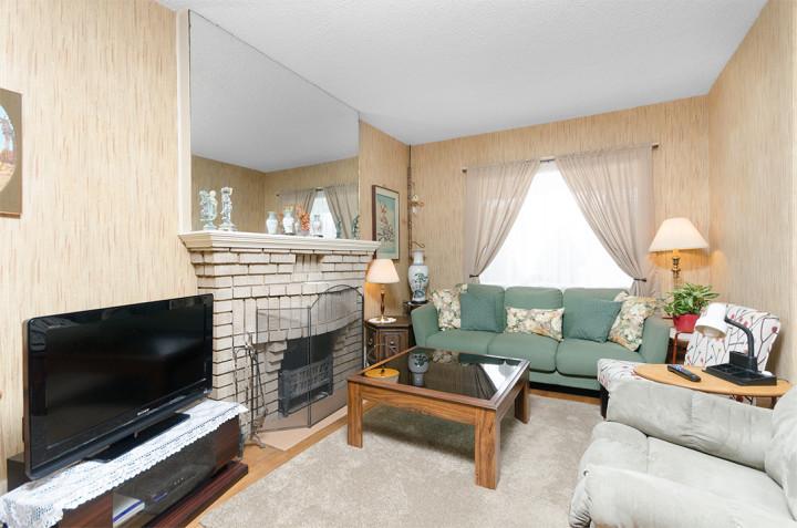 Living Room, 468 Merton Street, Toronto Midtown, Davisville Village, from Jethro Seymour, one of the top Toronto Real Estate agents