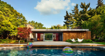 A mid-century era pool house redesign in Toronto