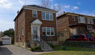 259 Donlea Drive, Front View - Leaside Home Sale by Top Neighbourhood Realtor Jethro Seymour